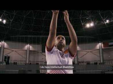 شاهد بطي الشيزاوي، بطل الأولمبياد الخاص في كرة السلة من الإمارات