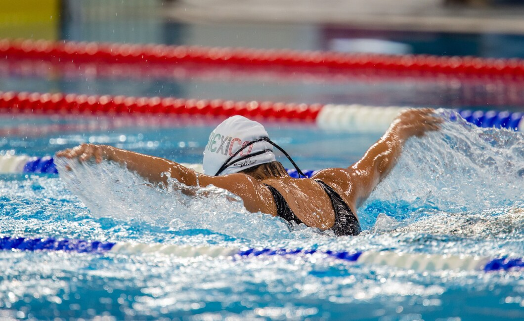 100m Butterfly Swimming Competition
